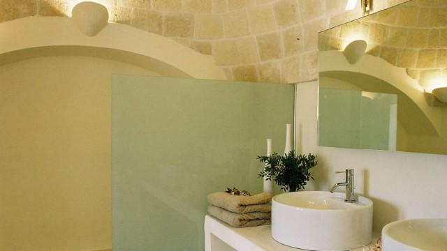 Villa Santoro, Puglia bathroom